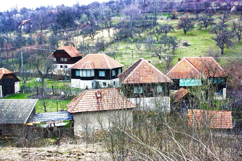 Satul părăsit